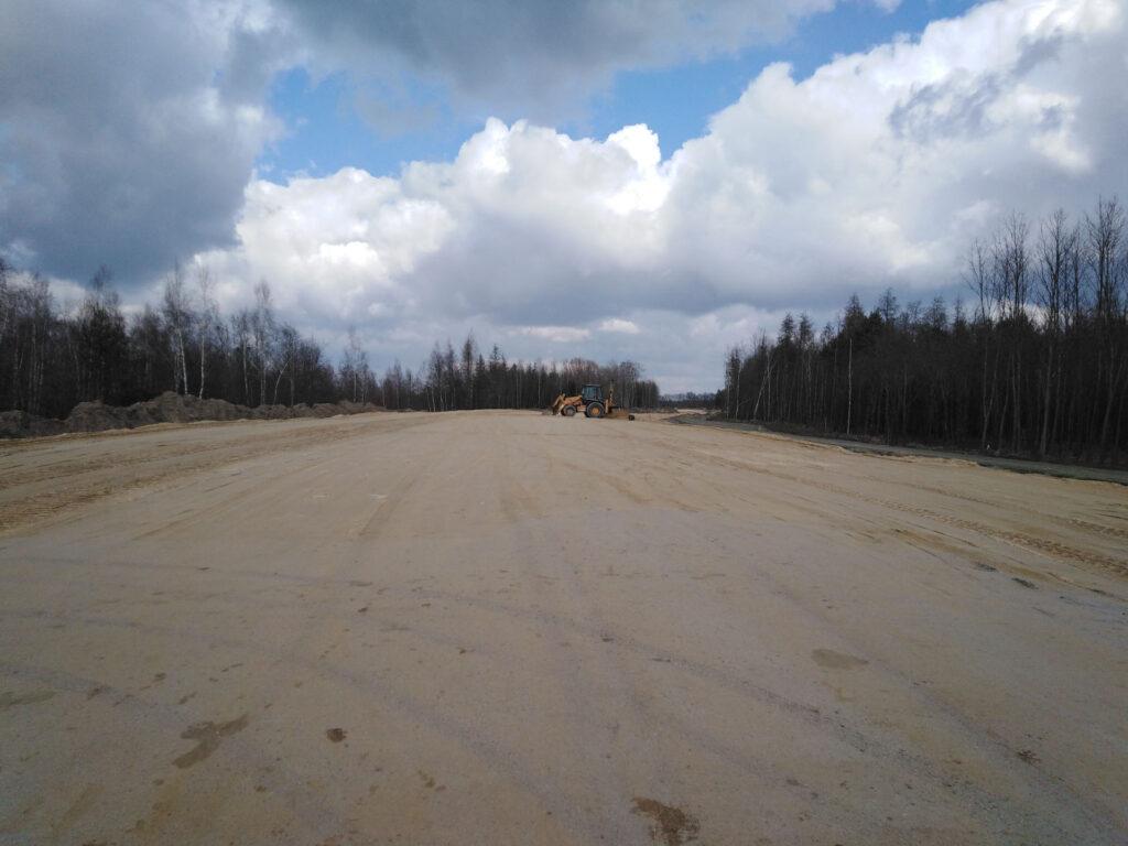 Nasyp Trasa Glowna w km 8500 8700 20210318 1024x768 - Jak idą prace na budowie północnego odcinka wschodniej obwodnicy Wrocławia?